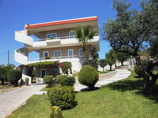 2 bedroom apartment for 4 people  - Rhodes - Apartment
