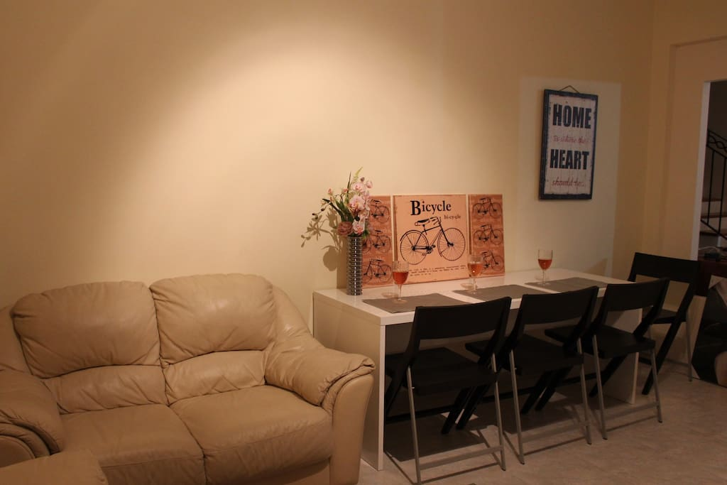 Living/dining/study area
