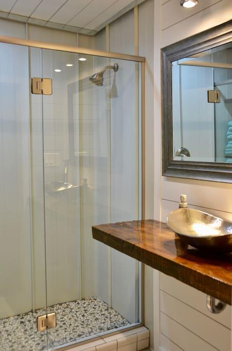 BRAND NEW BATHROOM! CUSTOM BARNWOOD COUNTERTOP, VESSEL SINK, EUROPEAN SHOWER GLASS.