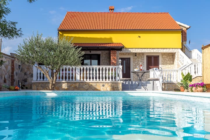 Holiday home Iva with pool, Zadar county