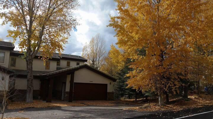Elegant home near Beaver Creek + Arrowhead Mtn