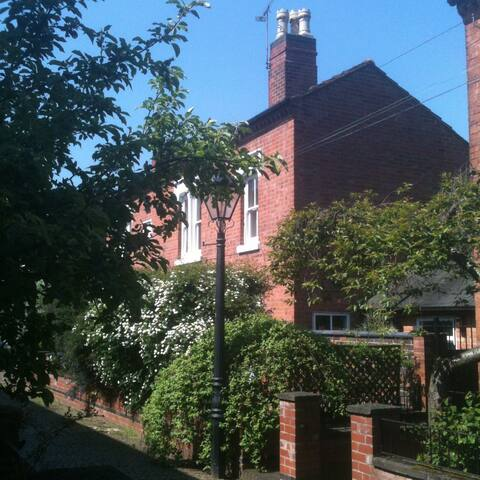 City centre attic room with ensuite - Leicester - Haus