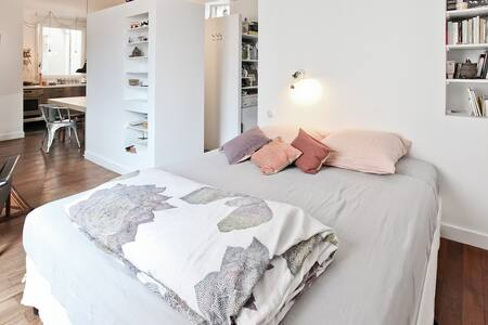 Spacious ideal studio for lovers