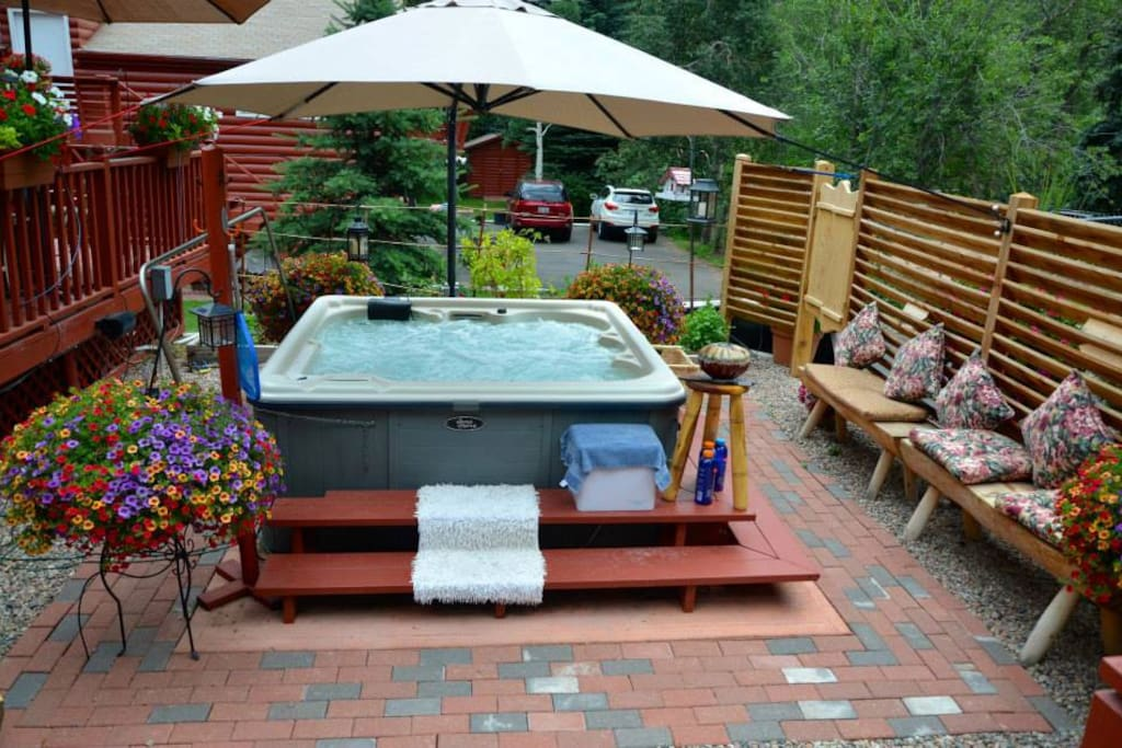 Relax from a hard day of sightseeing in the hot tub!