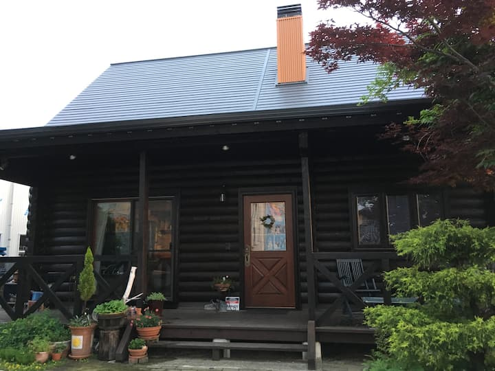カルフール ゲストハウス。北陸道 富山インターと富山空港から車で5分の好立地。