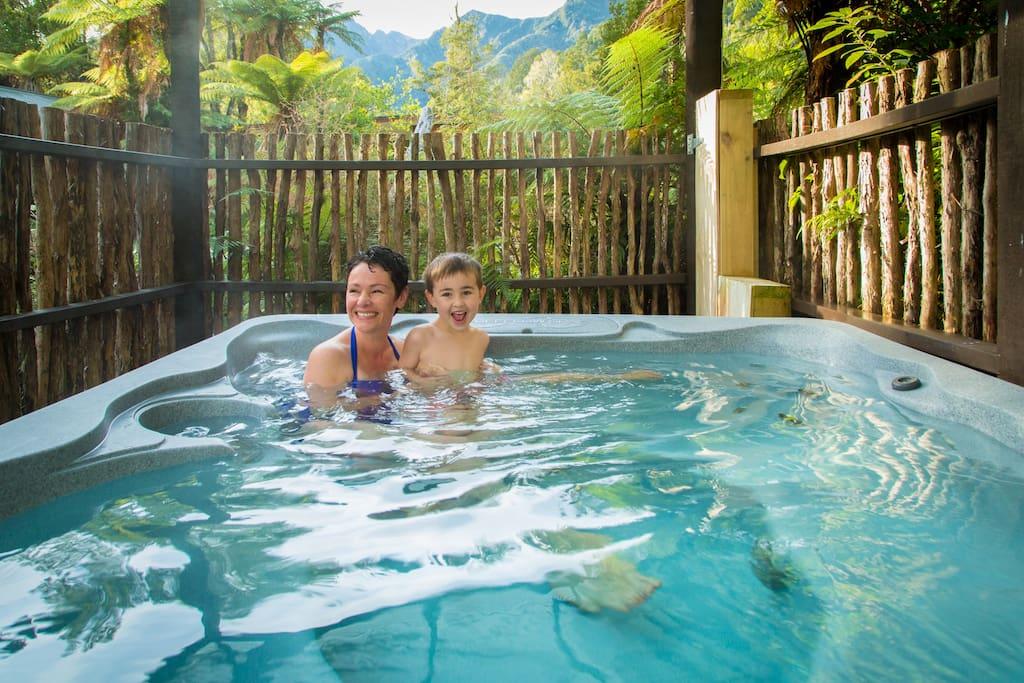 Gecko village hot tub