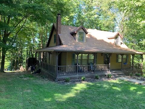 Apple Valley Cottage