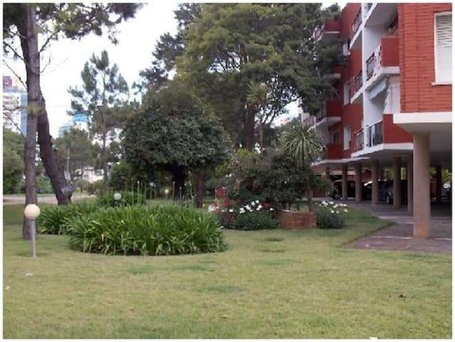 3 DORM, EDIF. AIDY GRILL, DESIGN DISTRIT, 8 PLAZAS - Punta del Este - Apartamento