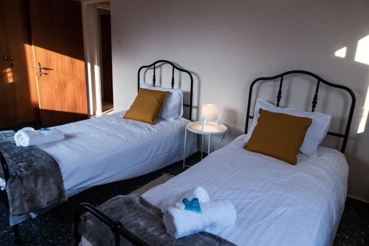 Spacious and Comfy bedroom with private bathroom#5