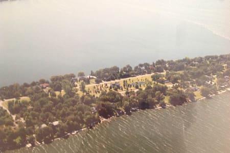 Island Suite Minutes From Sandbanks - Prince Edward - 아파트