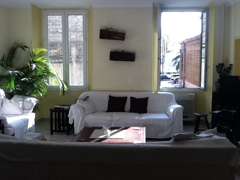 open plan living room with Port view