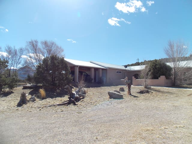 Peaceful Country Home 4 bed, 2.5 bath