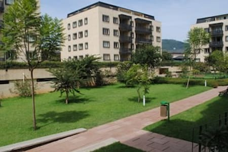 ROOM TO RENT IN A 2BEDROOM APARTM. - Addis Ababa - 公寓