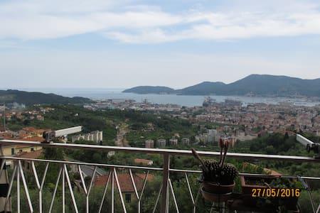 30 steps from the sky, near to 5 Terre & Lerici - VEZZANO LIGURE