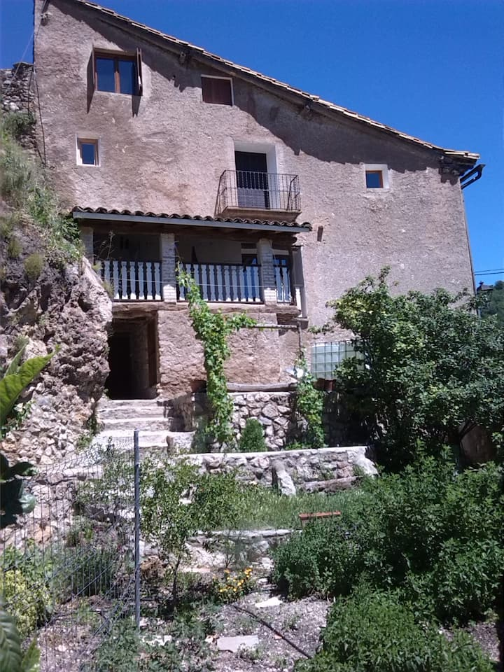 typical aragonese cottage