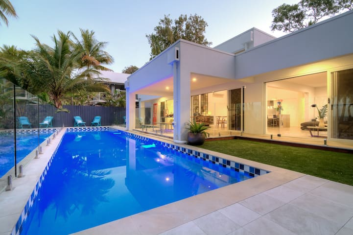Tenterfield - Absolute Beach Front - Oak Beach - Huis