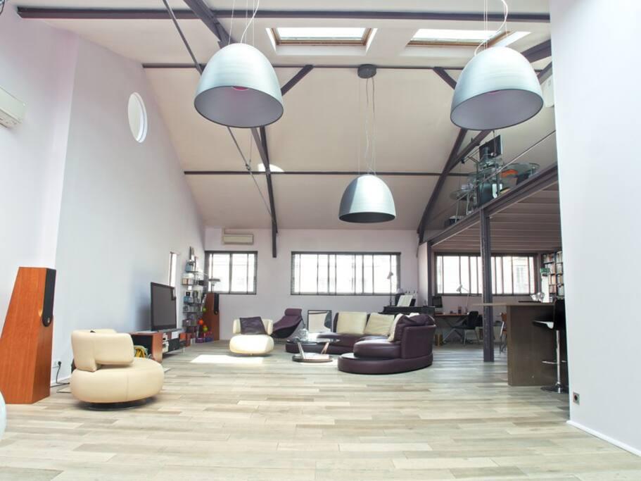 Le grand salon de réception (110 m2)