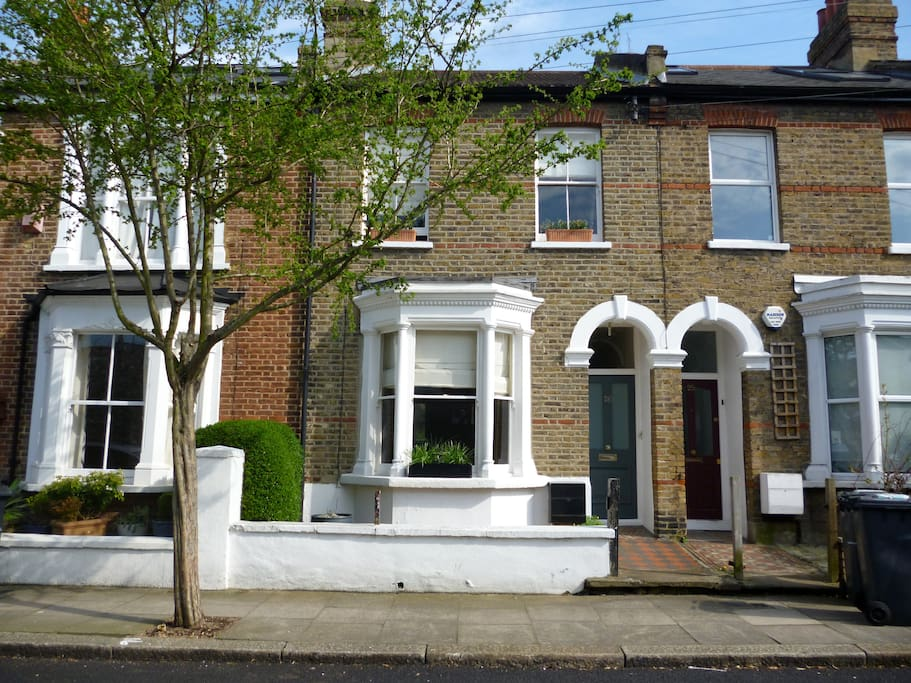 Victorian Terrace House built in 1900's with its original features yet modern central heating.
