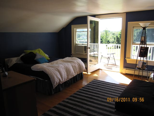 Large Room in HudsonValleyFarmhouse - Hopewell Junction - Casa
