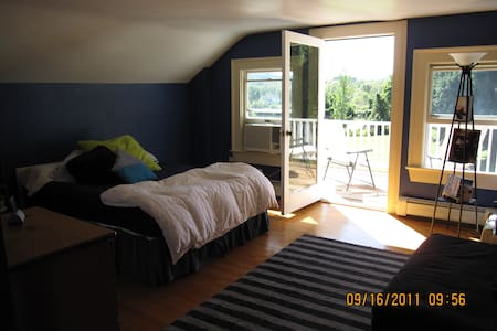 Large Room in HudsonValleyFarmhouse - Hopewell Junction - Rumah