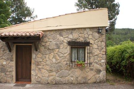 Bungalow Abedul (4-6 pers) - Arenas de San Pedro