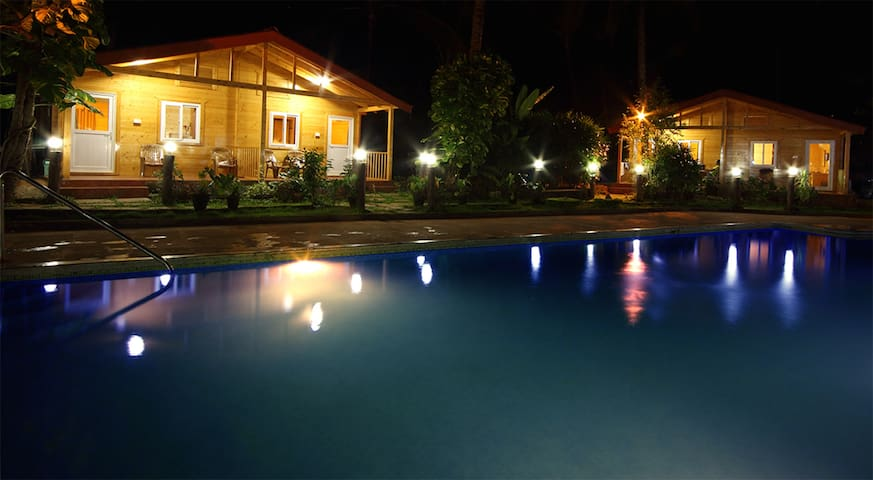 Pool View Wooden Huts @Betalbatim - South Goa