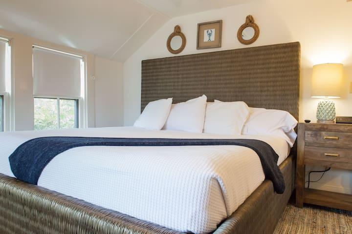Madaket Suite - Carlisle House