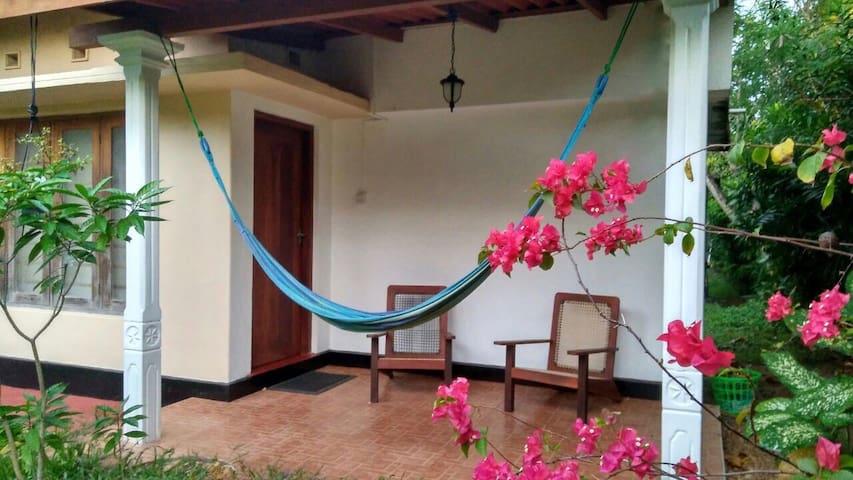 Bougainvillea Apartment