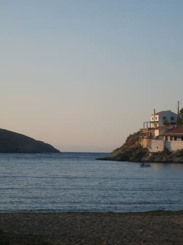 3 METERS FROM THE SEA(URL HIDDEN) - Kea Kithnos - Casa