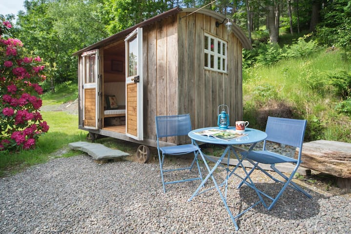 Cute Lake District Shepherd's Hut