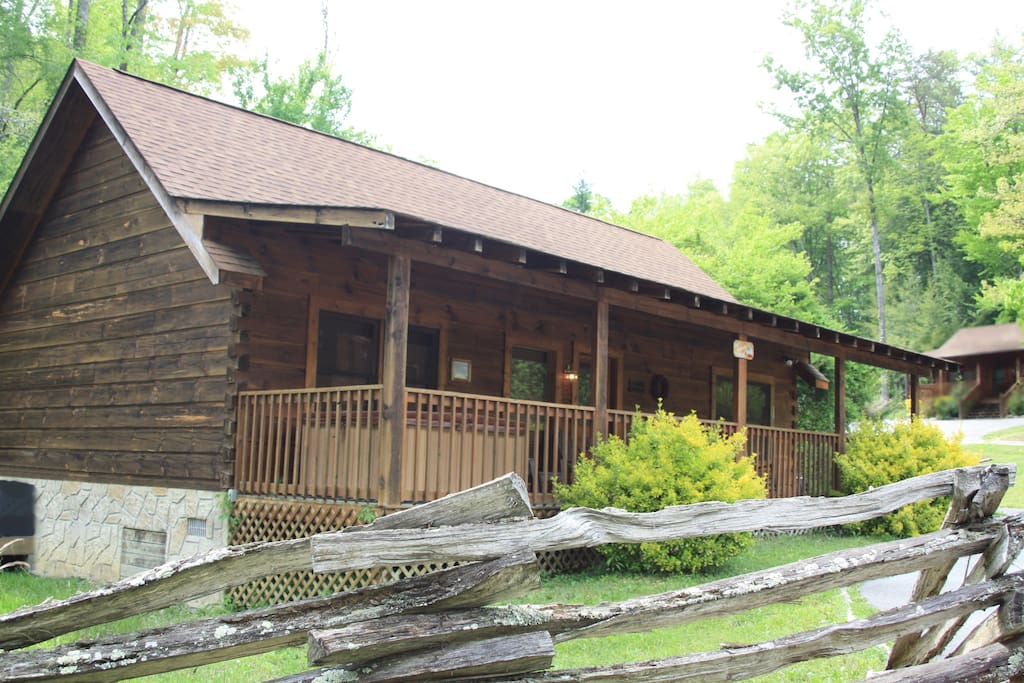 Eagles hideaway cabin in town pf cabins for rent in for Eagles ridge log cabin
