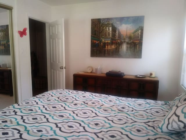Master bedroom. Walking distance to  Mar vista.