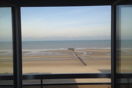 Charming apartment frontal sea view - Middelkerke
