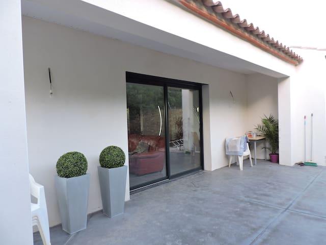 Belle villa neuve avec piscine - Ferrals-les-Corbières - Casa