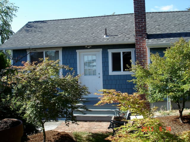 Sweet Central Dist. Guest House: Short/Long Rental