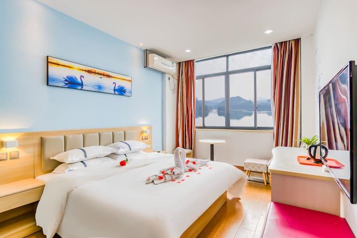湖景大床房,能看湖景的好房