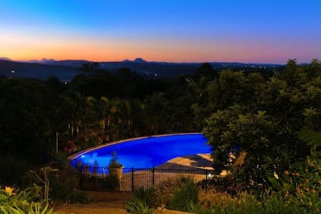 The Heavens B&B Buderim - Mons - Bed & Breakfast