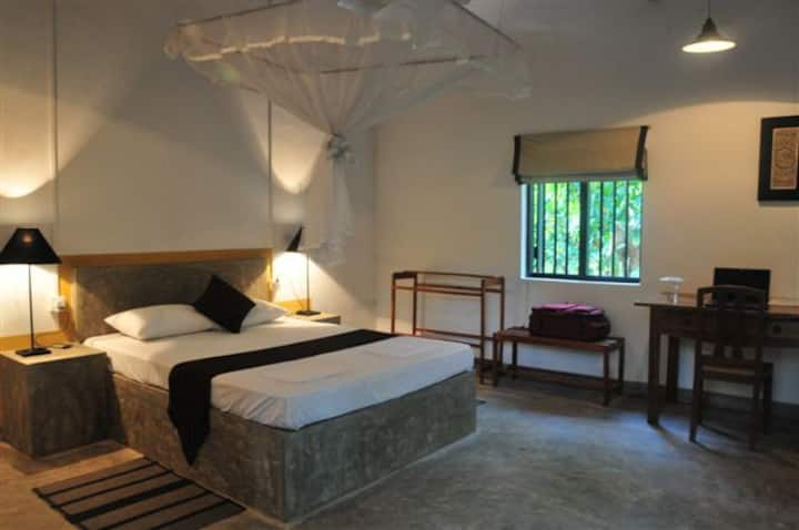 Room in Lake Front Rustic Eco-Villa Anuradhapura