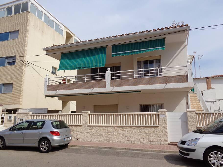 Chalet in spain valencia apartamentos en alquiler en for Alquiler chalet piscina privada comunidad valenciana
