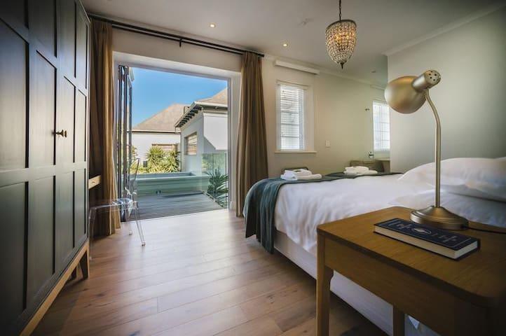 Rozenhof Balcony Room