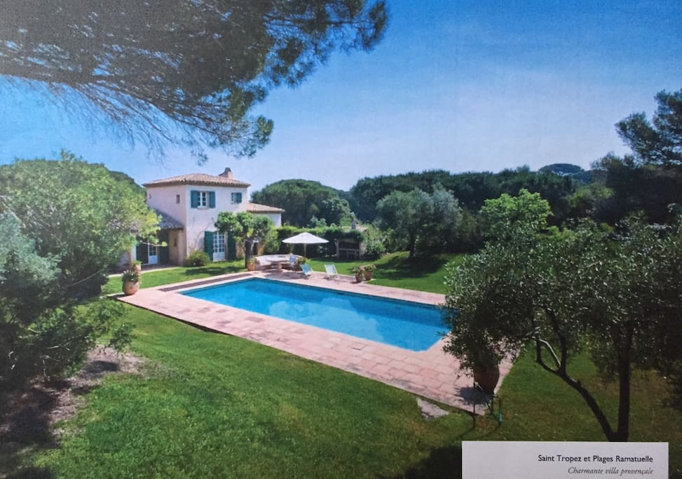 House provençale garden and umbrella pinetreee parks. The house and heated swimming pool is south facing with a view on the Cap Camarat hill