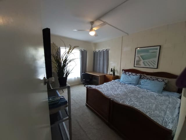 Cosy 2 bed self contained unit at Glenelg East