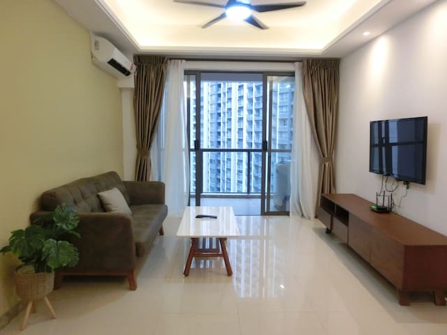 Fantastic 2 bedroom in R&F Princess Cove by harzaf