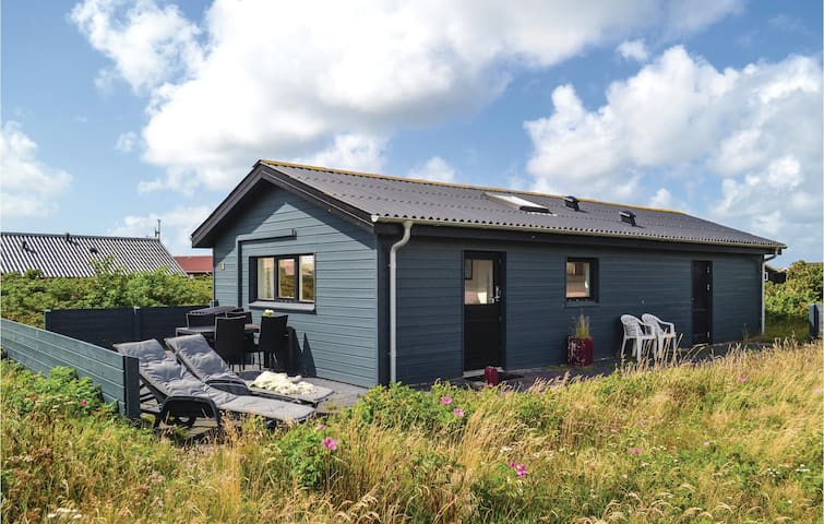 Holiday cottage with 2 bedrooms on 40m² in Hvide Sande