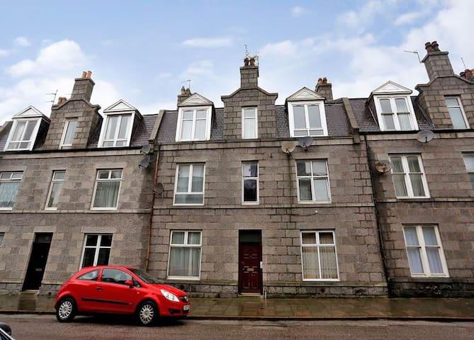 1 Bed Flat - Aberdeen