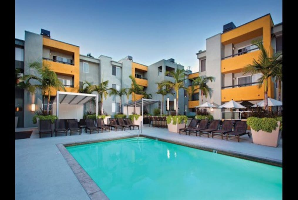 Five Stars Two Bedrooms In The Heart Of Weho Apartments For Rent In West Hollywood