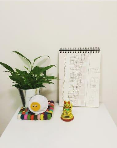 Modern Studio w/ Roof Terrace - Hong Kong - Appartement