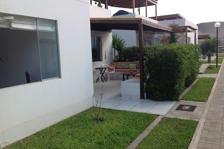 Alquiler hermosa Casa - Playa Azul - Asia District