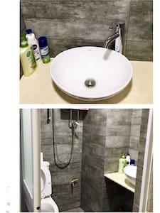 Newly Renovated Two Bedroom Apt - 銅鑼灣