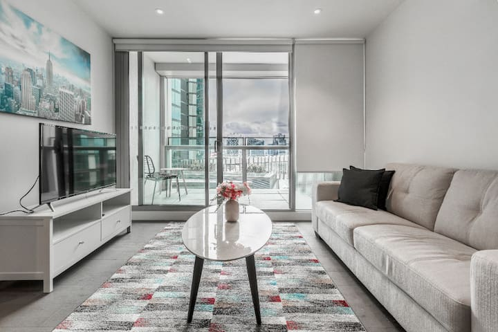 STAY&CO - Designed Corporate Apartment 1BR|1BA